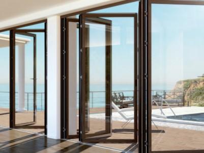 Lesena okna - okovje